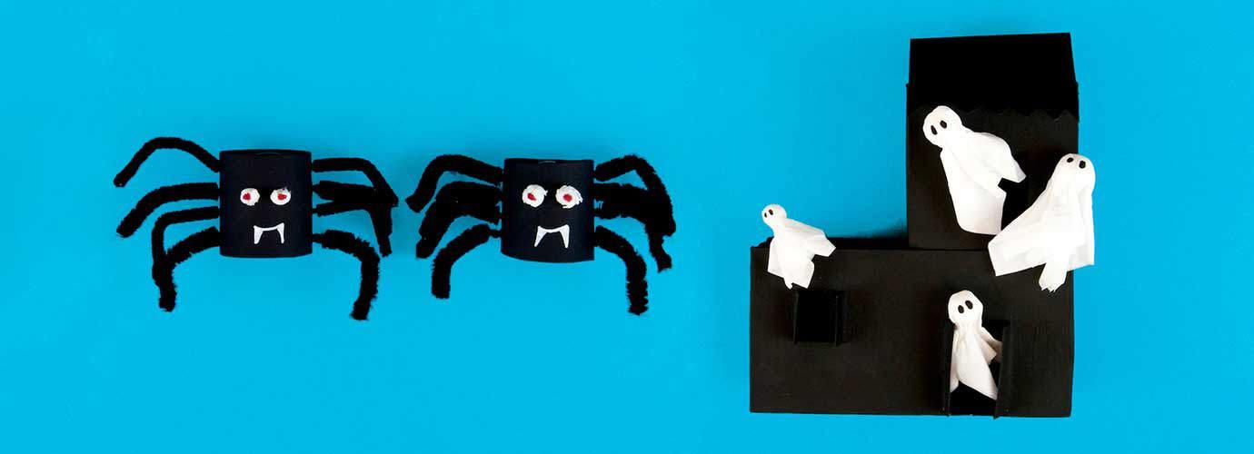 Trabalho manual de halloween em forma de aranha e casa assombrada com fantasmas feitos de caixas de lenços recicladas