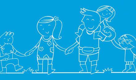 Família ilustrada num festival a segurarem as mãos uns dos outros com um balão e algodão doce
