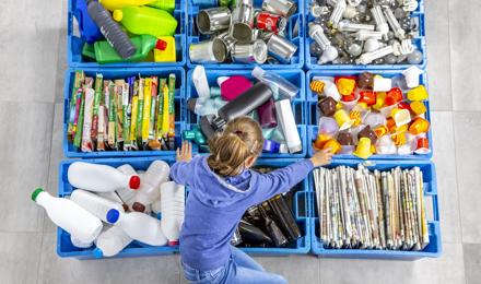 Como se recicla o plástico e o que podemos fazer com ele?